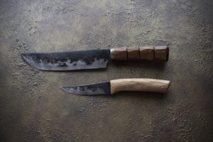 島包丁とペティナイフ
